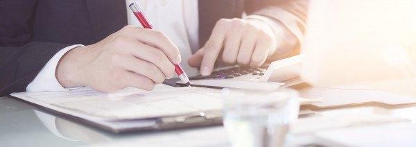 Einfuhrumsatzsteuer-Definition-Berechnung-VorsteuerCYAox0J9IeIE4